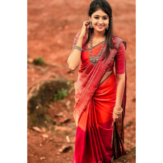 Glammrous Red Color Soft Silk Saree SC3009