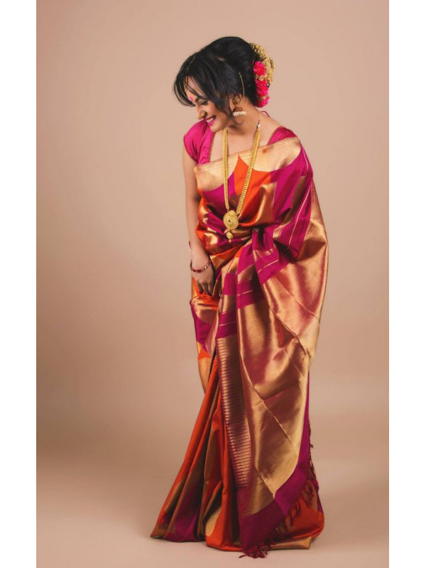 Prominent Red And Cream Color Designer Soft Silk Saree SC4011