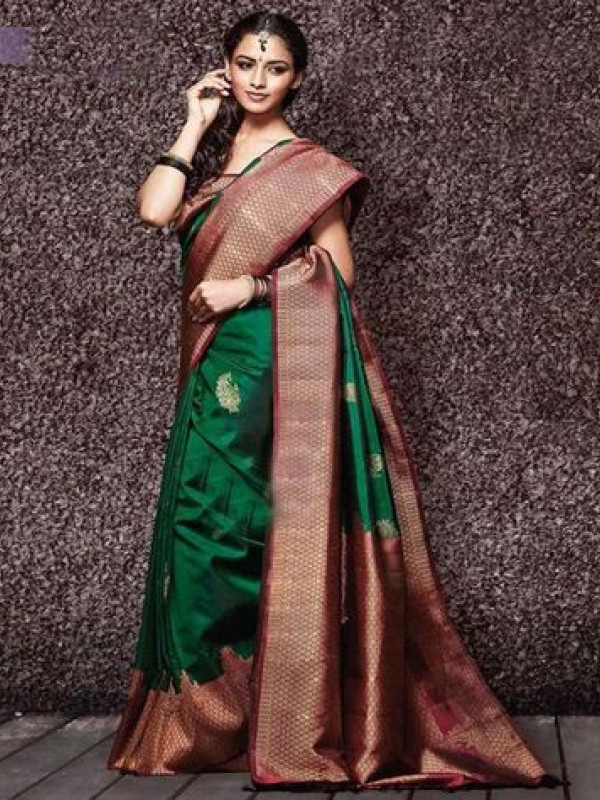 Mesmerising Green And Maroon Color Soft Silk Saree DL9017